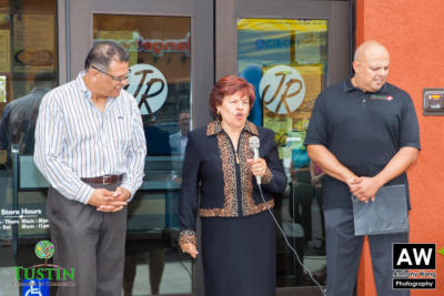 150527 Miguel's Jr. Ribbon Cutting 0010